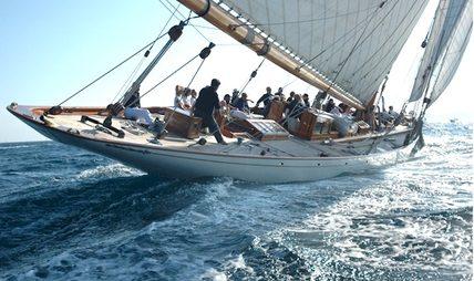 Moonbeam IV Charter Yacht - 5