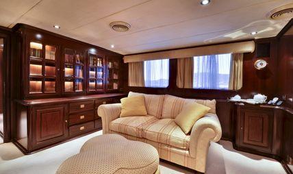 Number Nine Charter Yacht - 7