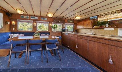 Play Fellow Charter Yacht - 8