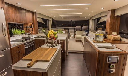 Hunky Dory Of Charter Yacht - 6