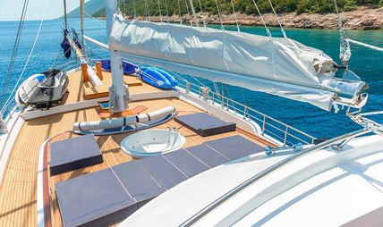 Bellamare Charter Yacht - 2