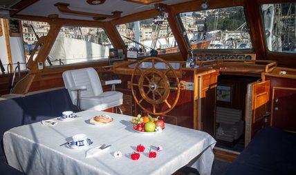 Agarimo 5 Charter Yacht - 8