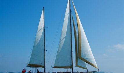 Aventure Charter Yacht
