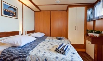 Amorena Charter Yacht - 5