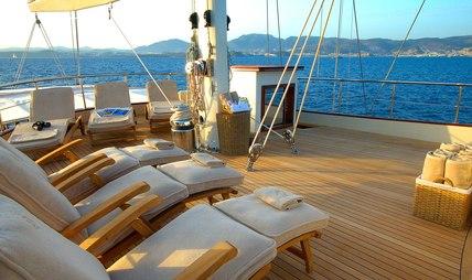 Riana Charter Yacht - 4