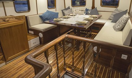 Cosmos Charter Yacht - 6