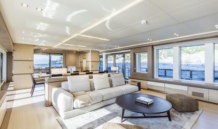 Mrs D Charter Yacht - 6