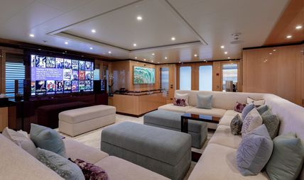 La Mirage Charter Yacht - 7
