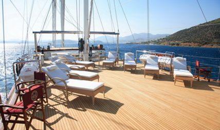 Loretta Charter Yacht - 4
