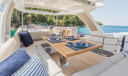 Hunky Dory Of Charter Yacht - 3