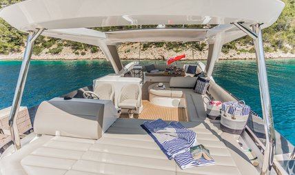Hunky Dory Of Charter Yacht - 2