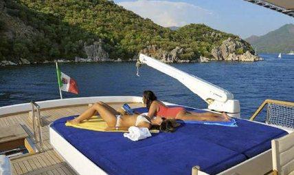 Blue Lady Charter Yacht - 3
