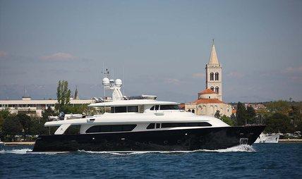 Klobuk Charter Yacht