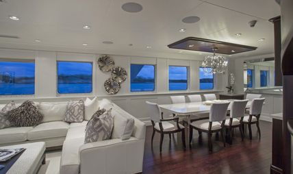 Friendly Confines Charter Yacht - 8
