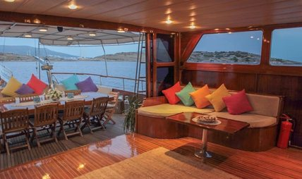 Golden Glory Charter Yacht - 7