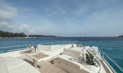 To Escape Charter Yacht - 5