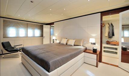 Lady B Charter Yacht - 8