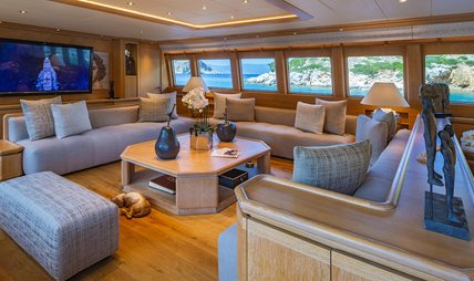 Christina V Charter Yacht - 6