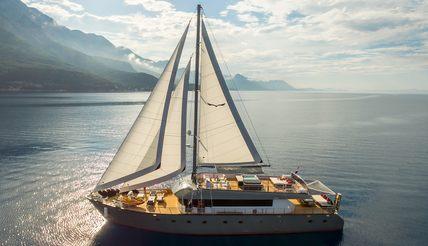 Rara Avis Charter Yacht