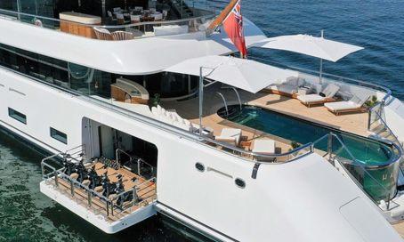 LUNASEA: Feadship charter yacht HASNA renamed