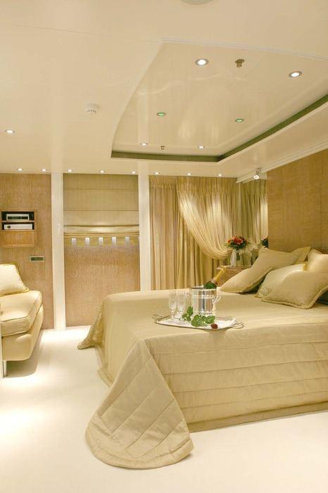 Elegant 007 Yacht Charter Price Ex Rm Elegant Lamda border=