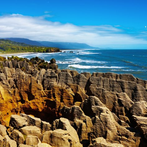 Visit the Rocky Shores of Punakaiki