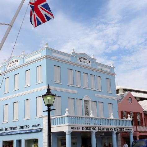 Beautiful example of Bermudian architecture at the crossroads