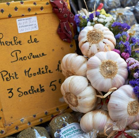 Buy delectable produce in traditional markets