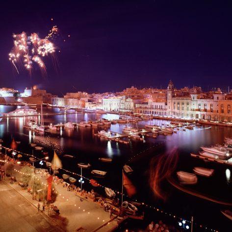 Enjoy Fireworks at the Grand Harbour