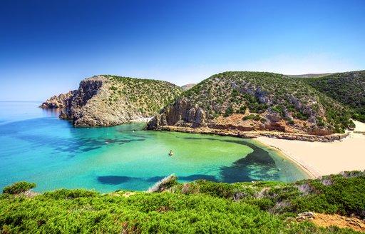 emerald bay on italian island of sardinia