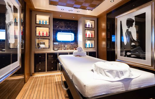 Inside Beyonce and Jay-Z's €1.7 mil p/ week charter yacht LANA photo 12
