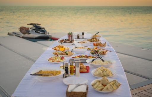 BOLD yacht hosts beach picnic in the bahamas