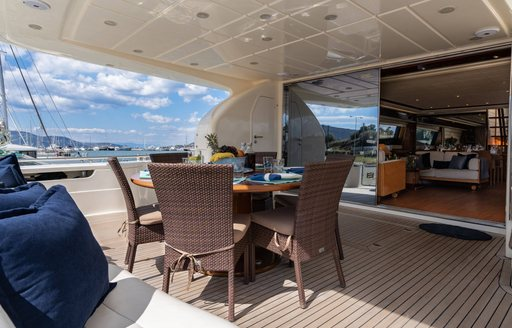 alfresco dining onboard motor yacht estia yi