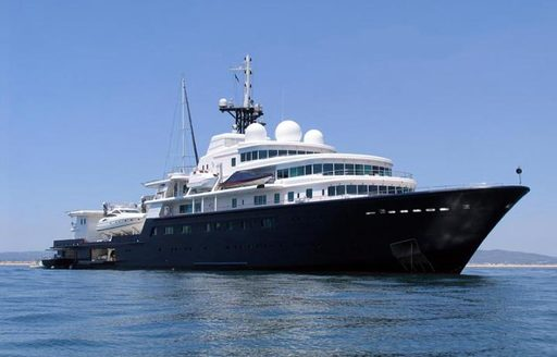 Superyachts on the scene in St. Barts to celebrate New Year's Eve in style photo 2