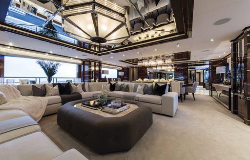 Main salon of superyacht 11/11
