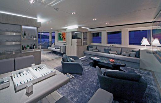 Skylounge onboard MY Jems