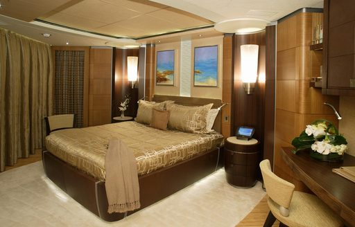wheels yacht master suite