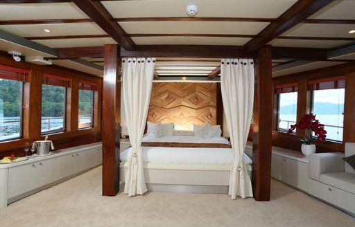 The full-beam master cabin on board sailing yacht LAMIMA