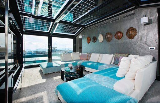 Living and social space for guests to use when chartering TORTOISE