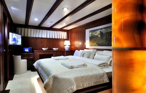 Charter Yacht REGINA Reduces Weekly Rate In The Caribbean This October photo 3