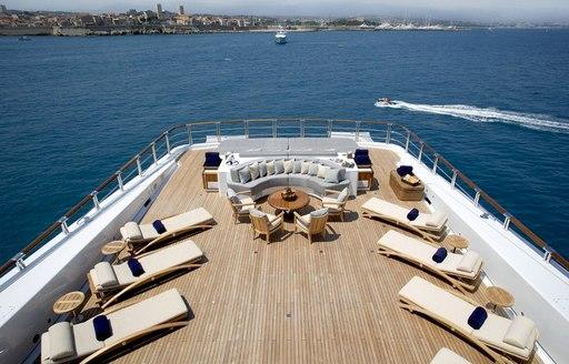 wheels superyacht aft deck seating