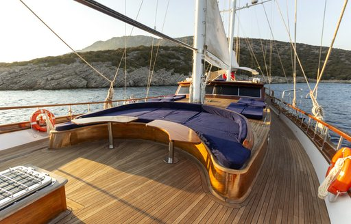 Foredeck seating area onboard SY Babylon