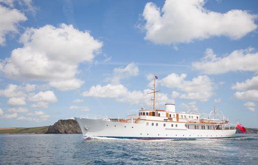 motor yacht MALAHNE cruising on charter
