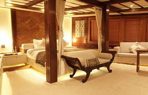 Luxury yacht LAMIMA master suite