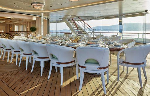 Alfresco formal dining on superyacht TIS