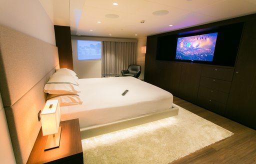 full-beam master suite on board luxury yacht SAHANA