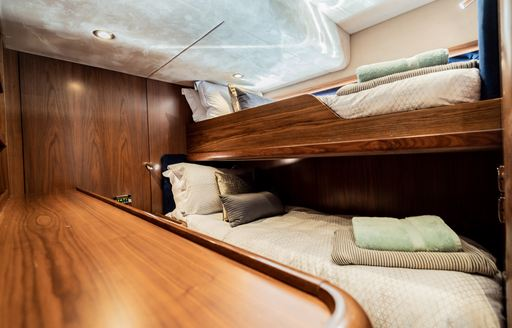 luxury twin suite on superyacht chess with pullman berths