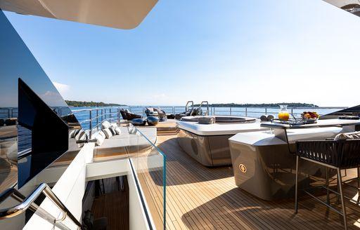 Luxury yacht SOLO infinity pool on deck