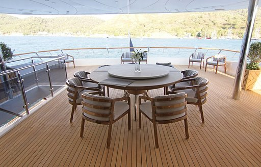 motor yacht baba dining