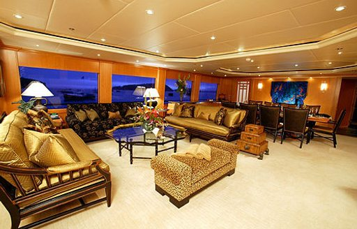 Motor yacht FOUR WISHES's main salon before refit